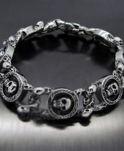 CIRCLE OF FEAR BLACK AND SILVER METAL